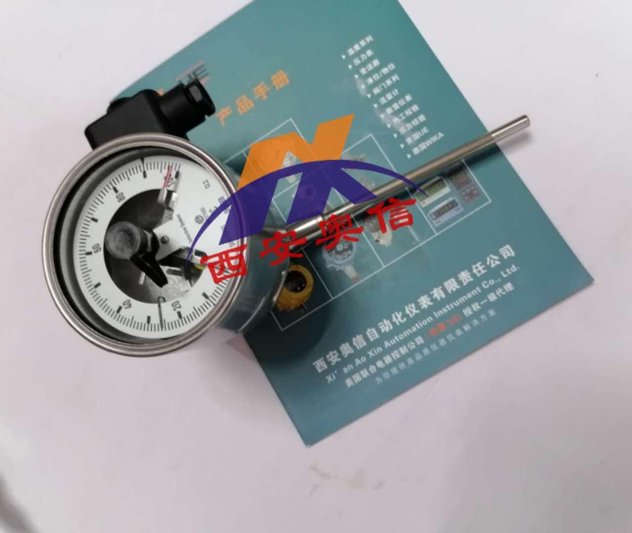 山东WIKA TGS55.100电接点温度计 威卡电接点双金属温度计 万向型